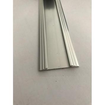 Profil drept pentru treapta cu banda de cauciuc Argintiu (Silver) 2151 (47mmx100cm)- 10 buc cod 42116